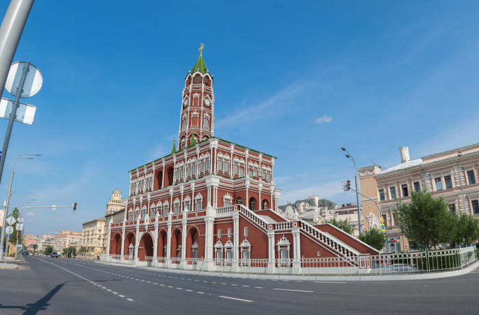 Moscow Past and Future. City center walking tour with virtual reality glasses